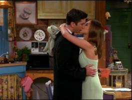 Ross and Rachel Kiss (3x02