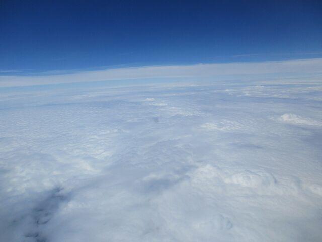 Fichier:Au-dessus des nuages.jpg
