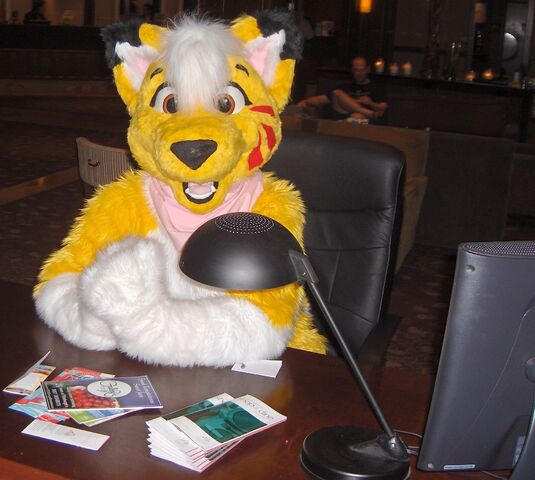 File:GR AC2007 Lucky Coyote concierge welcoming.jpg