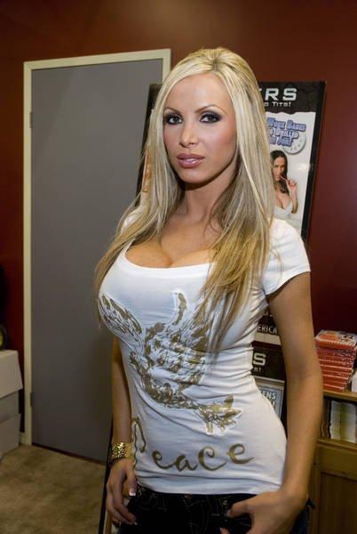 Nikky Blond Nude Photos 60
