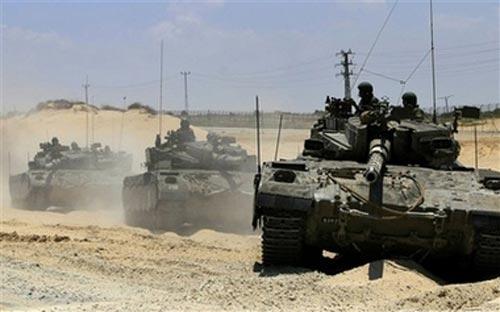 File:Israeli tanks at gaza borders file 2008.jpg