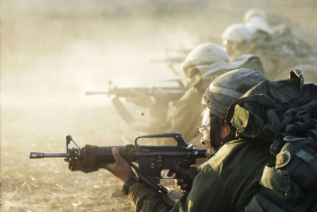 File:Soldiers in combat action Israel Israeli army 001.jpg