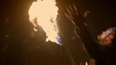Beric Ignites his Sword s3e5