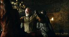 Davos Melisandre assassination S3 E1.jpg