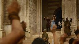 Jofrey Margaery waving S3E4