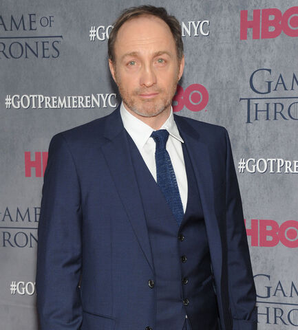 File:Showbiz-michael-mcelhatton.jpg