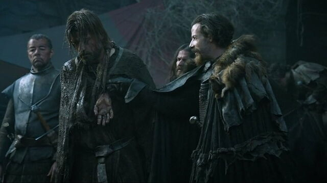 File:Locke taunts Jaime s3e5.jpg