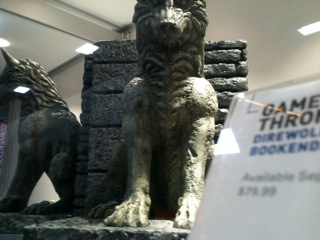 File:Comic-con 2012 Dire wolf bookends.jpg