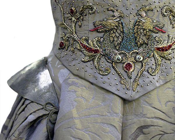 File:308 Sansa wedding dress embroidery 1.jpg