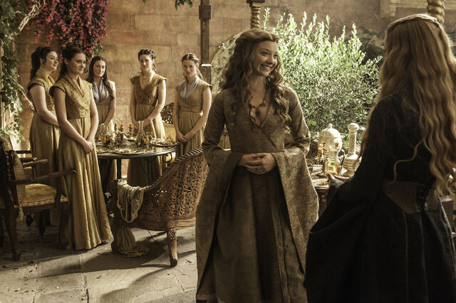 File:Margaery wearing Cersei style clothes in Season 5.jpg