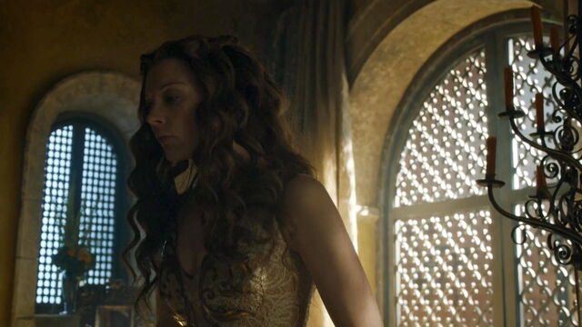 File:504 Margaery costume front view.jpg
