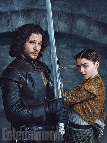 File:Kit-harington-maisie-williams-127101.jpg