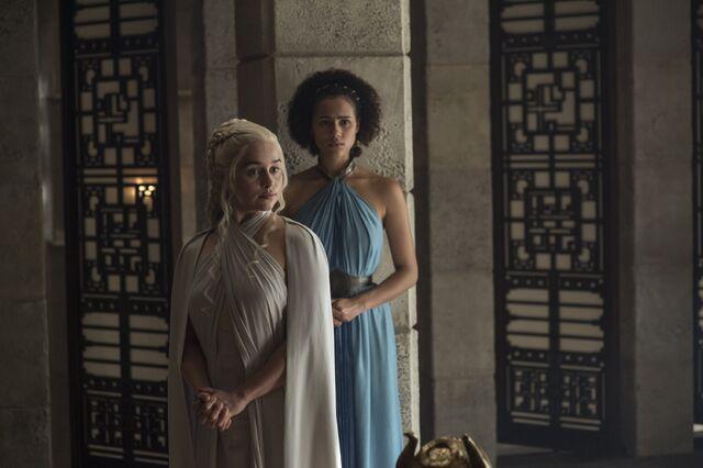 File:Daenerys-and-missandei-daenerys-targaryen.jpg