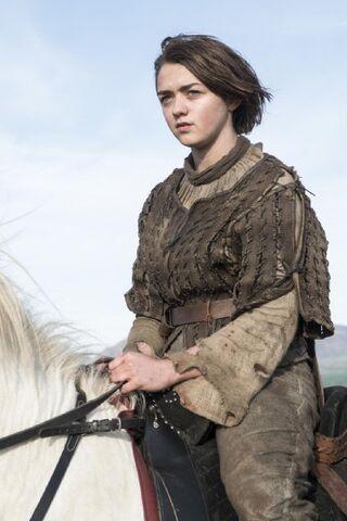 File:Arya horseback in Season4.jpg