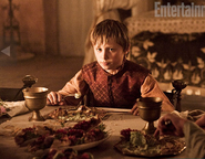 Tommen eating S2