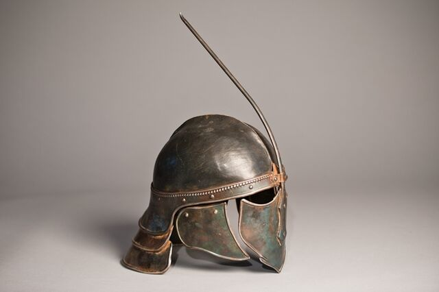File:Unsullied helmet behind the scenes 2.jpg