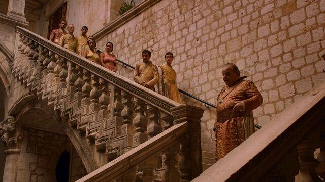 File:Spice king on steps.jpg