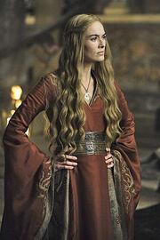 Cersei 2x01a.jpg