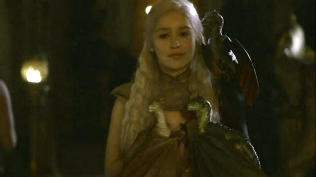 File:Dany mother of her dragons.jpg