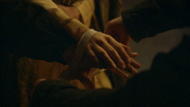 File:309 Edmure and Roslin tie the knot 2.jpg