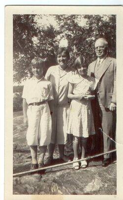 BILL, RENNIE,CRINGAN,DAD LATE 1920S