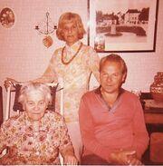 Nils with mother Nanny and sister Edith at Faktorigatan in Huskvarna