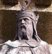 Robert magnificent statue in falaise detail