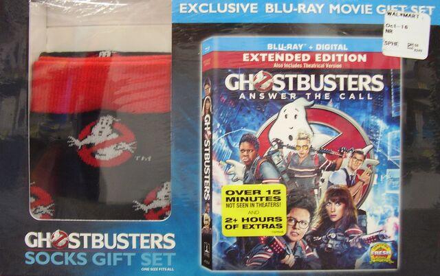 File:GhostbustersAnswerTheCallWalmartSocksGiftSet03.jpg