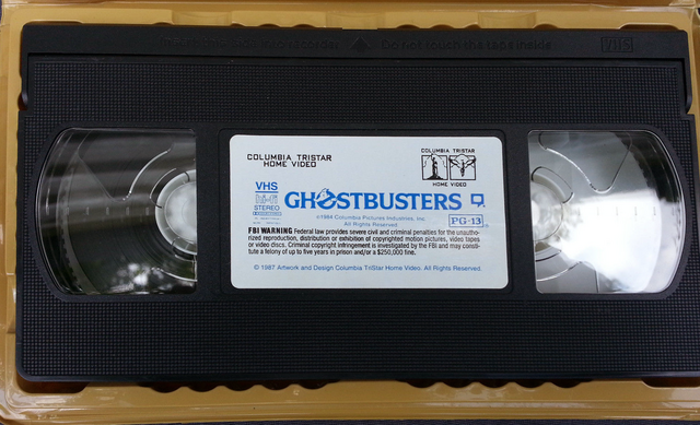 File:GhostbustersVHSGoldenClamshell1995Sc03.png