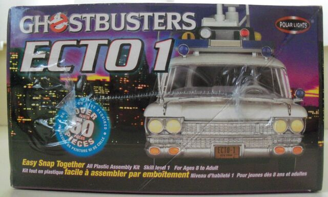 File:Polar Lights Ecto-1 Snap Model Box Left.jpg