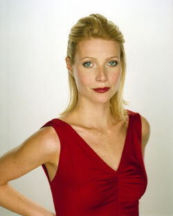 Gwyneth-Paltrow-Portraits-by-LaMoine-15