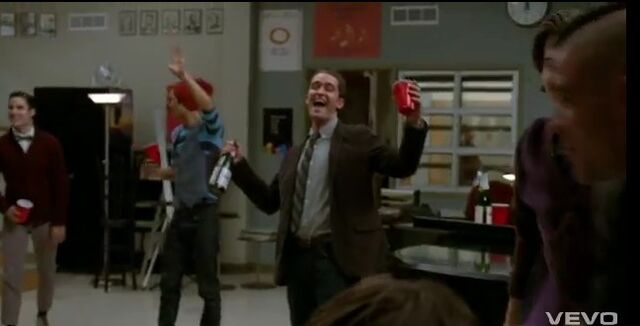 File:Red-solo-cup-glee.jpg