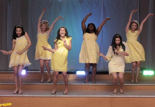 File:Glee 1.jpg