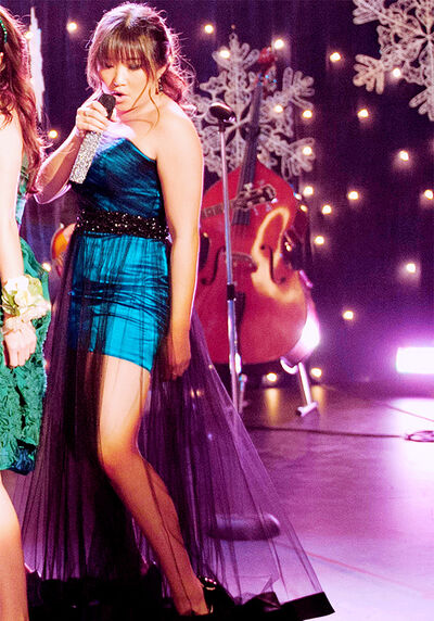 Tina-SadieHawkins-Glee