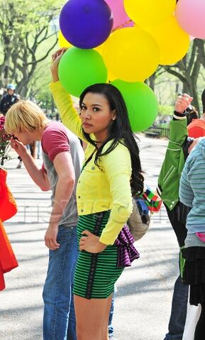 File:Naya with balloons - glee in nyc.jpg