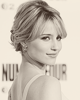 File:DiannaAgron6.png