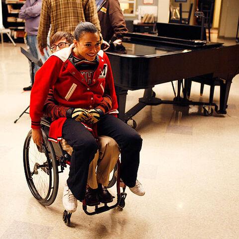 File:Glee-Michael-glee-28189674-495-495.jpg