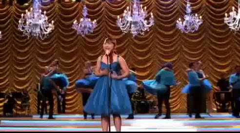 File:Glee-season2-finale-performance-as-long-as-you-are-there-picture.jpg