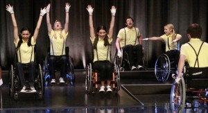 File:Glee-s01e09-wheels-300x163.jpg