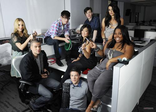 File:Glee+Cast+PNG3.png