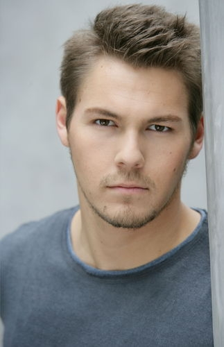 scott clifton hot