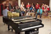 Glee room2