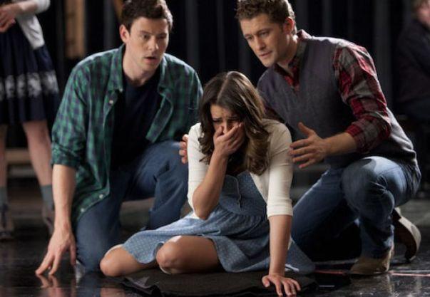 File:Glee-bornthisway-finn-rachel-willouch.jpg