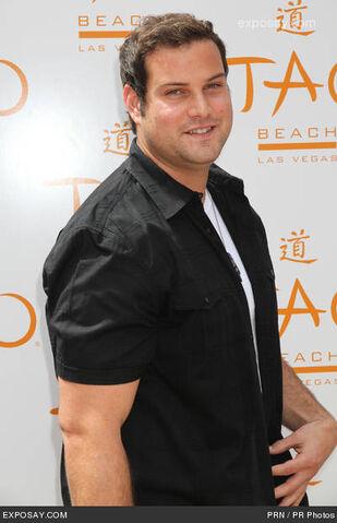 File:Max-adler-tao-beach-las-vegas-2011-season-1n5G0t.jpg