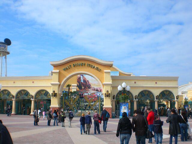 File:Walt Disney Studios Park.jpg