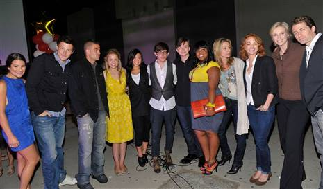 File:Glee cast2.jpg