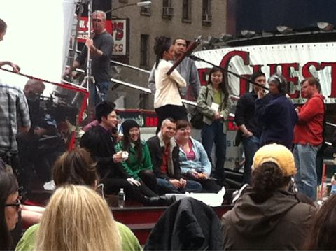 File:Glee shooting in nyc.jpg