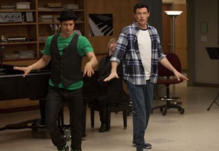 File:Glee-born-this-way-04212011-01-430x297.jpg