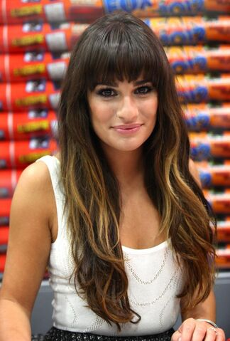 File:Lea-Michele-dress-San-Diego-Comic-Con-2012-Glee-1.jpg