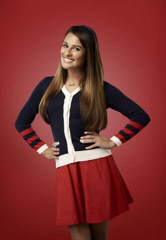 File:Glee 07-lea-michele-01 1398 v2 redbkg jm.jpg